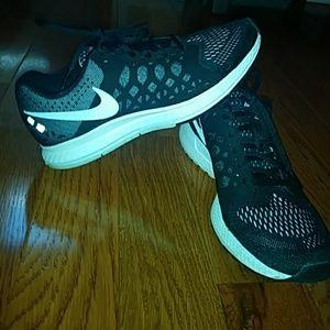 nike running shoes zoom pegasus 31